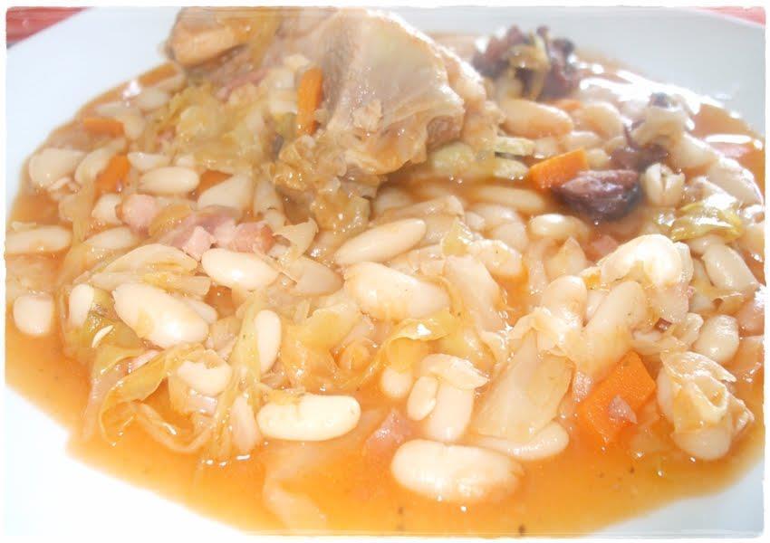 Feijoada de frango com feijão branco