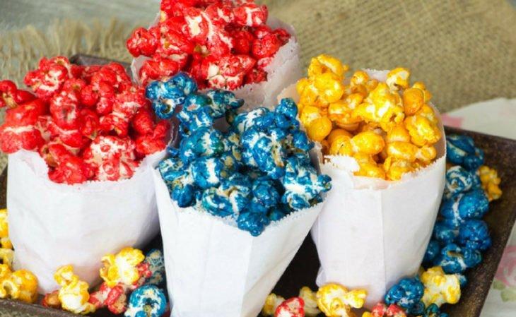 1587012363 Pipoca doce colorida deliciosa - Pipoca doce colorida deliciosa